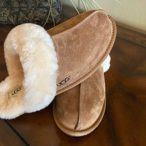 UGG Scuffette ll Water-Resistant slippers NWOT